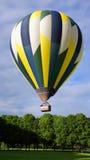 El tomar del globo del aire caliente en de Amboise Foto de archivo libre de regalías