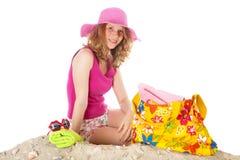 El tomar el sol en la playa Imágenes de archivo libres de regalías