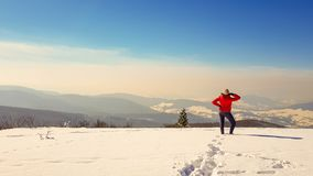 El tomar el sol en invierno imágenes de archivo libres de regalías