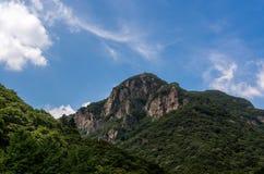 El top de la montaña imágenes de archivo libres de regalías