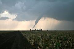 El tornado amenaza a la granja Fotografía de archivo libre de regalías