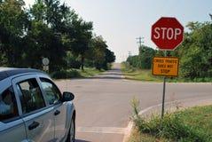 El tráfico cruzado no para la muestra Imagen de archivo