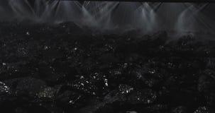 El trabajo de la fábrica del carbón Enriquecimiento en la fabricación Movimiento de la investigación mecánica del mineral Planta  almacen de metraje de vídeo
