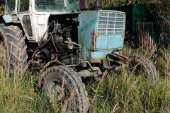 El tractor viejo de la rueda Foto de archivo libre de regalías