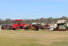 El tractor y el motor del vintage de Dunolly se reúnen, celebrado en el viejo circuito de carreras, recibieron muchos motores y m Fotografía de archivo libre de regalías
