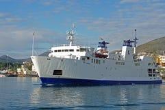 El transbordador a la isla de Ventotene Italia Imágenes de archivo libres de regalías