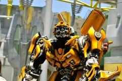 El transformador manosea la abeja Foto de archivo