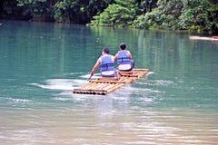 El transportar en balsa Fotografía de archivo