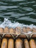 El transportar en balsa de bambú Imagen de archivo libre de regalías