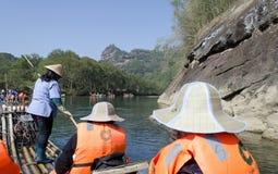 El transportar en balsa de bambú de la corriente de Jiuquxi Fotos de archivo