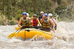 El transportar en balsa de río de Ecuador Whitewater Fotos de archivo libres de regalías