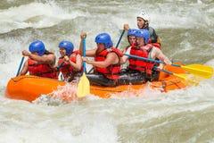 El transportar en balsa de río de Whitewater Fotos de archivo