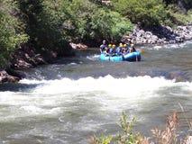 El transportar en balsa de río del agua blanca Imagen de archivo libre de regalías