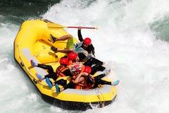 El transportar en balsa de río Foto de archivo