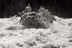 El transportar en balsa del agua blanca Imagen de archivo libre de regalías