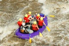 El transportar en balsa del agua blanca Imagenes de archivo