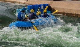 El transportar en balsa del agua blanca Fotos de archivo