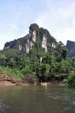 El transportar en balsa del río. Tailandia. Imagen de archivo libre de regalías
