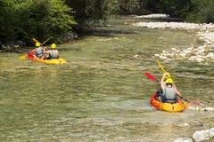 El transportar en balsa en el río Imagen de archivo libre de regalías