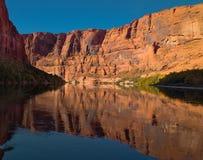 El transportar en balsa en el río Colorado Imagenes de archivo