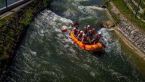 El transportar en balsa en el río salvaje Imagen de archivo libre de regalías