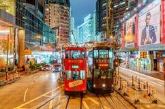 El transporte del tranvía es popular en Hong Kong La red ferroviaria de la tranvía proporciona el transporte a lo largo de Hong K Imágenes de archivo libres de regalías