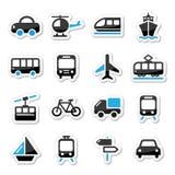 El transporte, iconos del viaje fijados isoalted en blanco Imagen de archivo