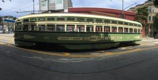 El ` tranvía de s de San Francisco de la PCC, parque zoológico y balboa hermosos, coloridos parquea el anuncio imagen de archivo libre de regalías