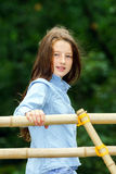 El trasladarse a edad adulta Retrato al aire libre del adolescente imágenes de archivo libres de regalías