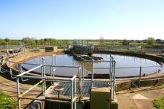 El tratamiento de aguas residuales trabaja tres fotos de archivo