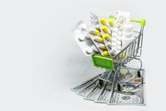 El tratamiento y el seguro están llegando a ser más costosos imágenes de archivo libres de regalías