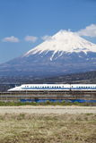 El tren de bala de Japón shinkansen Fotos de archivo