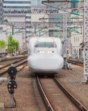 El tren de bala de Shinkansen Imagen de archivo