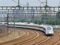 El tren de bala sale de Pekín, China Fotografía de archivo