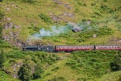 El tren de Jacobite sobre el viaducto de Glenfinnan Fotografía de archivo libre de regalías