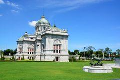 El trono Pasillo de Ananta Samakhom es un pasillo real de la recepción dentro del palacio de Dusit en Bangkok, Tailandia Imagenes de archivo
