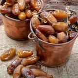El tunecino aut?ntico Deglet Nour sec? las fechas con suavidad miel-como gusto fotos de archivo libres de regalías