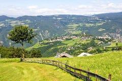 El Tyrol del sur, Völs Imágenes de archivo libres de regalías