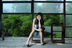 El un esperar adolescente blanco Fotos de archivo libres de regalías