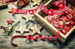 El und de la decoración de la Navidad adorna oscuridad del vintage coloreado Fotografía de archivo libre de regalías