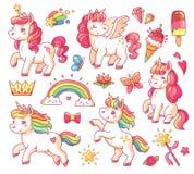 El unicornio lindo del arco iris del bebé del vuelo con oro protagoniza y dulce helado Pequeño vector mágico de la historieta de  stock de ilustración