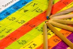 El uno mismo hizo el calendario para la escuela en lengua alemana ilustración del vector