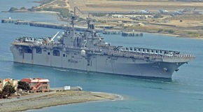 El USS Essex (LHD-2) que va en el despliegue Foto de archivo libre de regalías