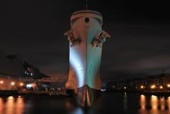 El USS Wisconsin en su puerto final Imagen de archivo libre de regalías