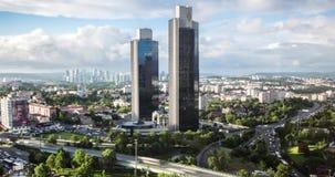 El vídeo de Timelapse del distrito financiero de Levent con Sabanci se eleva, Estambul, Turquía metrajes