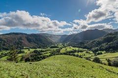 El valle de Borrowdale y el cerco derriba Fotos de archivo libres de regalías