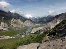 El valle de Manang en el Himalaya de Annapurna Imagenes de archivo