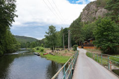 El valle del río Jihlava, República Checa en el día de verano imagen de archivo
