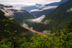 El valle del río Jinsha Imágenes de archivo libres de regalías