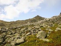 El valle en montañas Fotografía de archivo libre de regalías